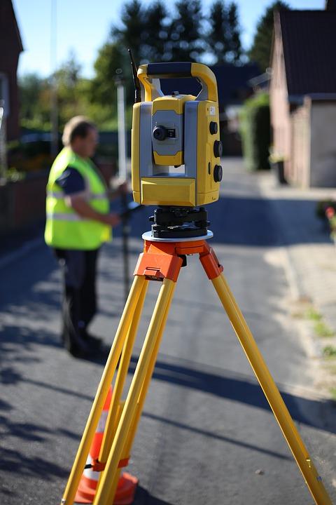 surveying-tripod